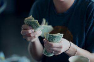 Czy nie zarabiam za mało? Twoje zarobki na tle rynku