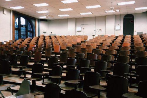 Jak wybrać przyszłościowe studia? Co wziąć pod uwagę?