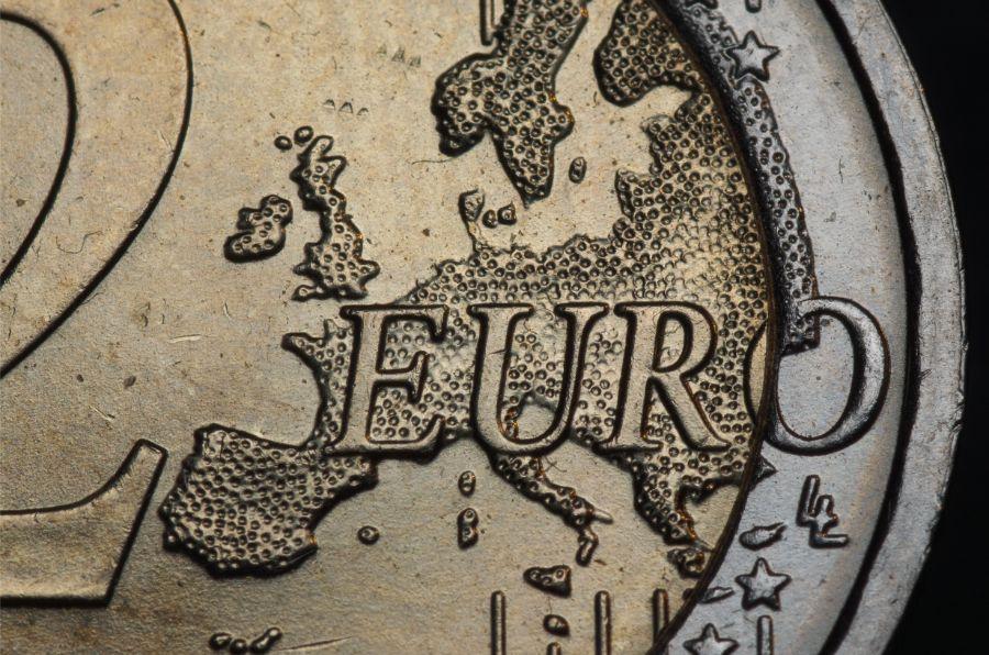 Gdzie wyjechać by zarobić najwięcej? Porównanie krajów europejskich