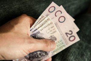 Ile zarabia przeciętny Polak?