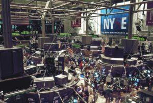 Inwestycyjny wstęp (1/6) – spekulacja a inwestowanie