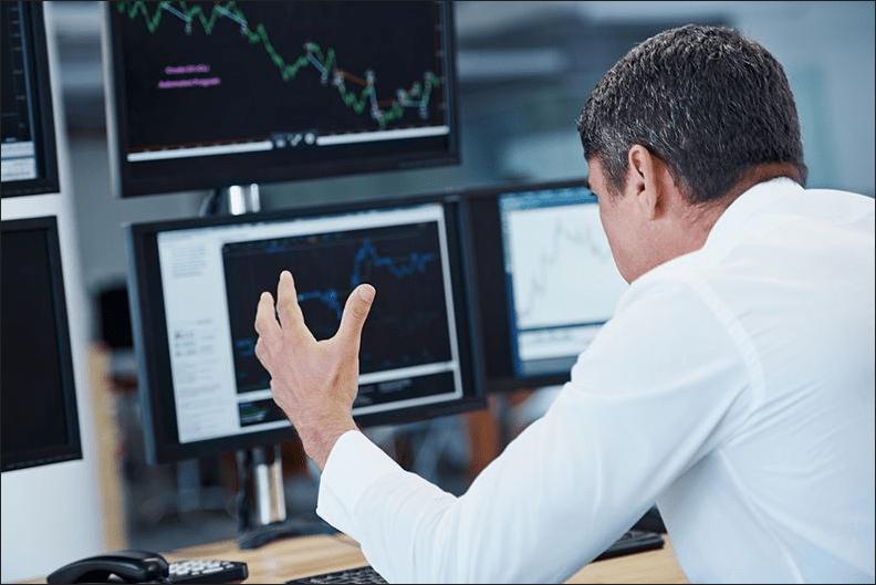 Psychologia-inwestowania-Sprawdzanie-kursów