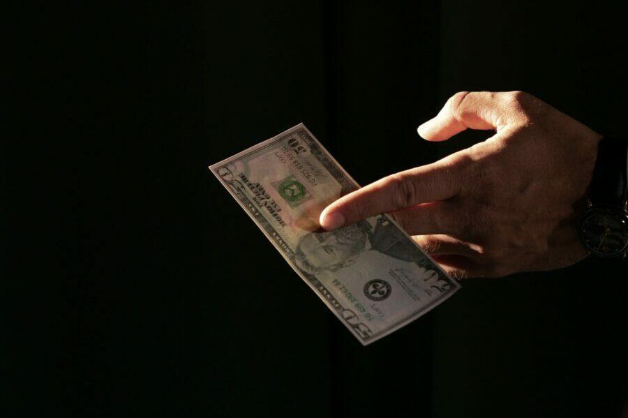 You are currently viewing Tanie inwestowanie. Najtańsze konta maklerskie, akcje i ETF-y